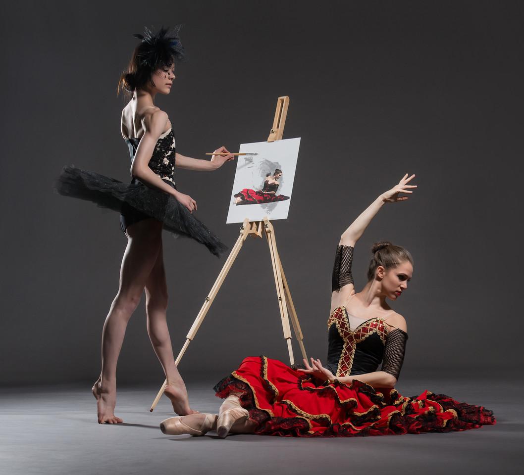 Dancers: Maria Vittoria Villa and Laurie Deziel,  Martha Graham Dance Company