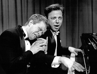 "Ted Dykstra, Richard Greenblatt ""2 Pianos 4 Hands"""