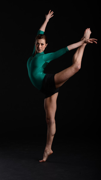 Dancer: Courtenay Krieger