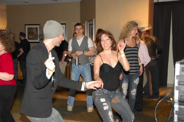 08 - Sat Late Night Dancing