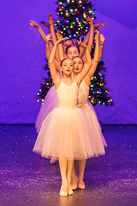 ChristmasSpectacular2019_120819_Dancer'sEdgeChristmasSpectatular_121219_830A0060_KR_RK