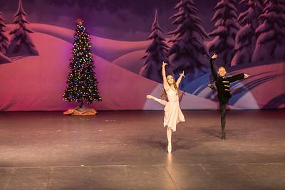 ChristmasSpectacular2019_120819_Dancer'sEdgeChristmasSpectatular_121219_830A0009_KR_RK