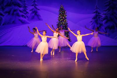ChristmasSpectacular2019_120819_Dancer'sEdgeChristmasSpectatular_121219_830A0040_KR_RK