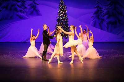 ChristmasSpectacular2019_120819_Dancer'sEdgeChristmasSpectatular_121219_830A0063_KR_RK