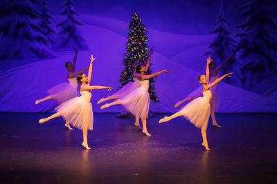 ChristmasSpectacular2019_120819_Dancer'sEdgeChristmasSpectatular_121219_830A0041_KR_RK