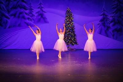 ChristmasSpectacular2019_120819_Dancer'sEdgeChristmasSpectatular_121219_830A0047_KR_RK