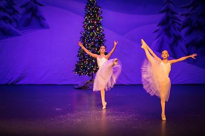 ChristmasSpectacular2019_120819_Dancer'sEdgeChristmasSpectatular_121219_830A0039_KR_RK