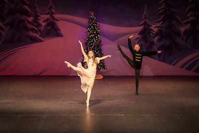 ChristmasSpectacular2019_120819_Dancer'sEdgeChristmasSpectatular_121219_830A0010_KR_RK