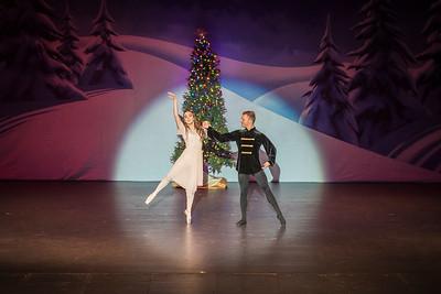 ChristmasSpectacular2019_120819_Dancer'sEdgeChristmasSpectatular_121219_830A0005_KR_RK