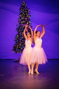 ChristmasSpectacular2019_120819_Dancer'sEdgeChristmasSpectatular_121219_830A0051_KR_RK