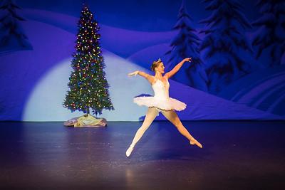 ChristmasSpectacular2019_120819_Dancer'sEdgeChristmasSpectatular_121219_830A0025_KR_RK