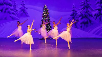ChristmasSpectacular2019_120819_Dancer'sEdgeChristmasSpectatular_121219_830A0043_KR_RK