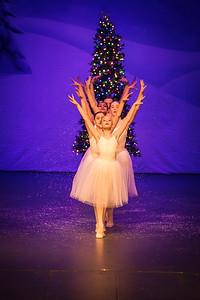 ChristmasSpectacular2019_120819_Dancer'sEdgeChristmasSpectatular_121219_830A0061_KR_RK