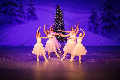 ChristmasSpectacular2019_120819_Dancer'sEdgeChristmasSpectatular_121219_830A0062_KR_RK