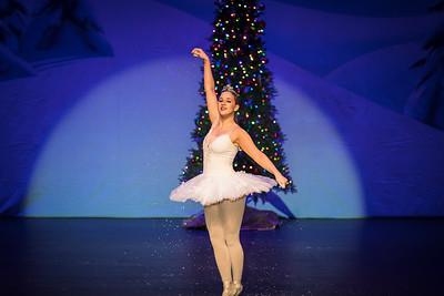 ChristmasSpectacular2019_120819_Dancer'sEdgeChristmasSpectatular_121219_830A0034_KR_RK