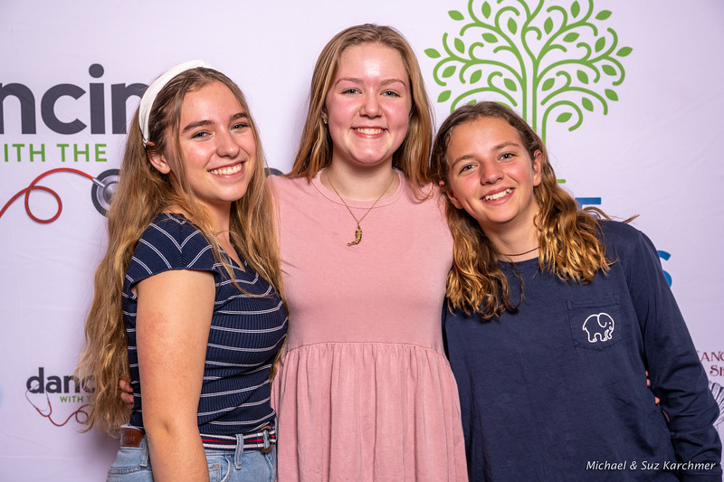 Swain Sisters with friend in pink (dress rehearsal evning)