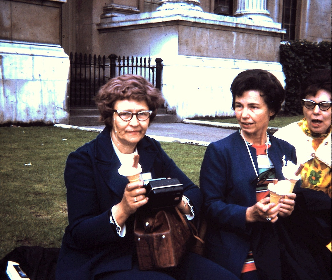 At the National Gallery | Doris Rawalt, Eileen Smith & Edith Hall