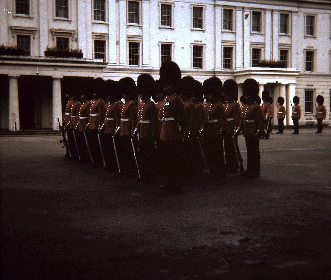 Buckingham Palace | Guard at Barracks