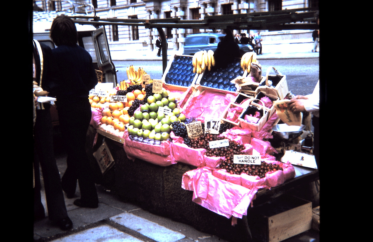 London | Fruit Stand