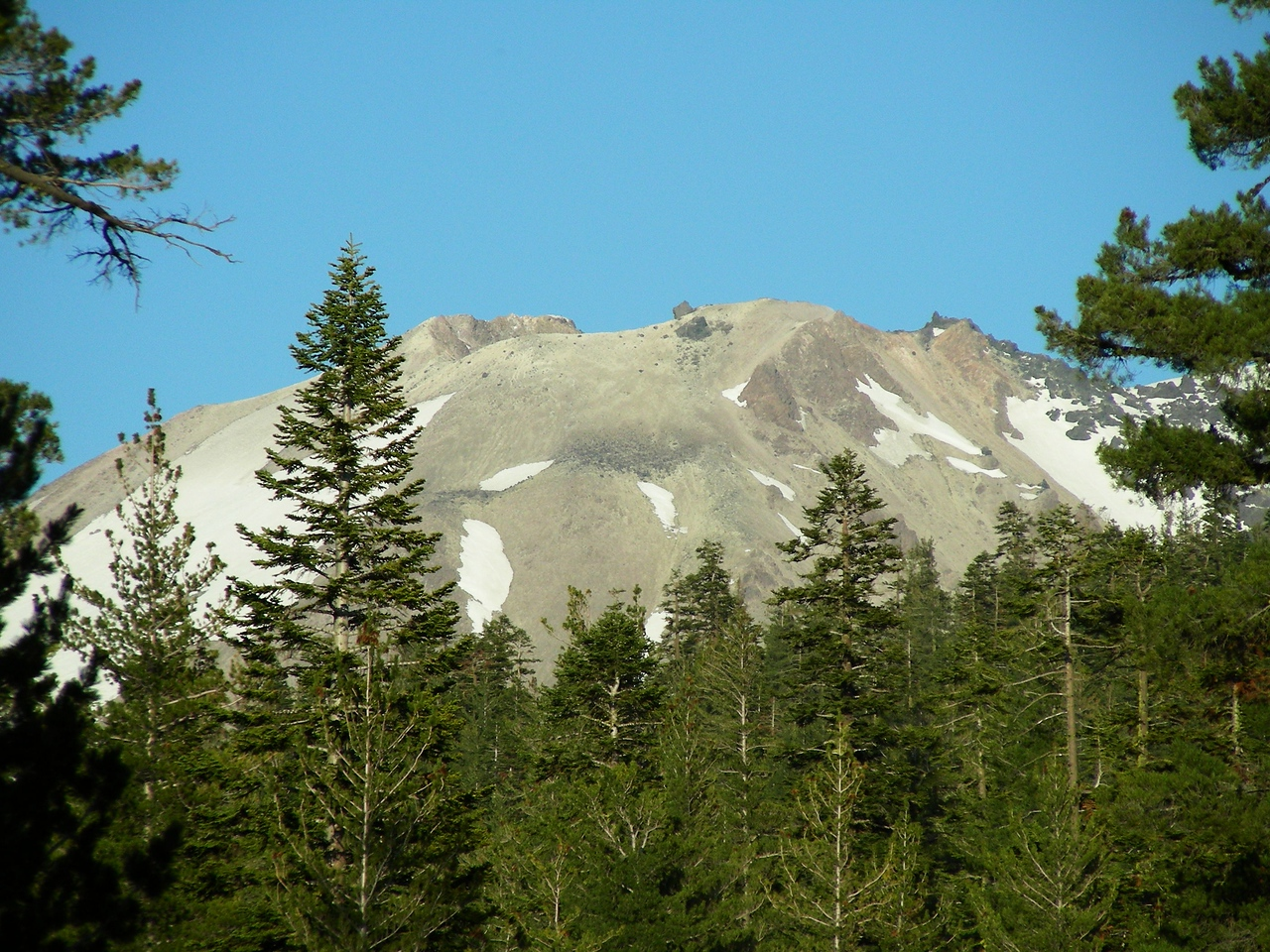 Evening hike West side of Loomis Peak - Views of Mt Lassen | May 23, 2009
