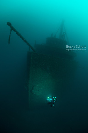 Illuminating the anchor on the Daniel J Morrell wreck
