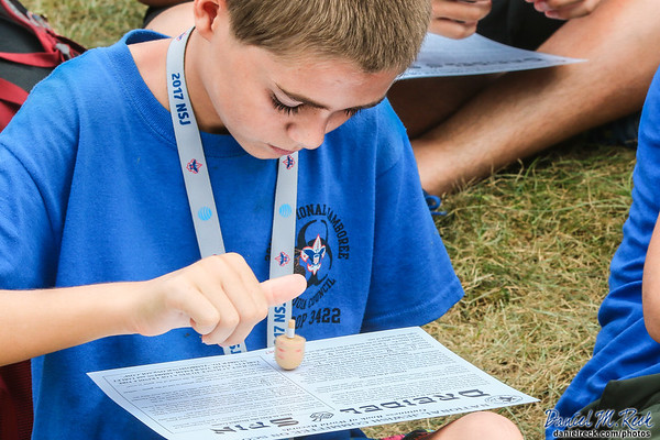 Scouts Set the Dreidel Spinning World Record