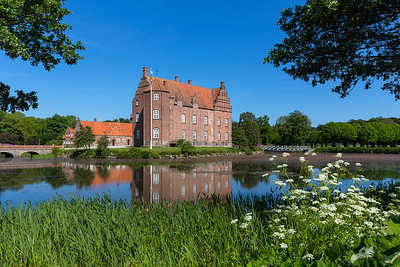 Castles & Manor houses