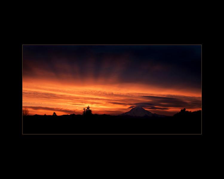 Morning Rays, Mt Rainier
