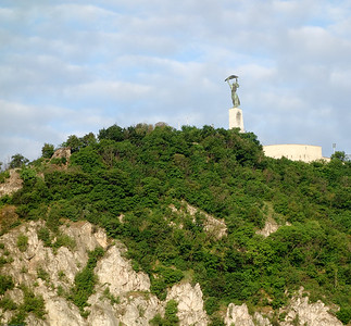 The Liberty Statue atop Gellert hill