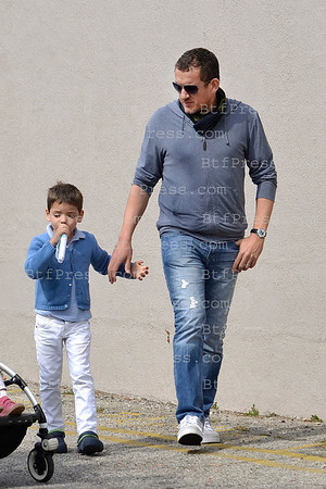 EXCLUSIVE___ Dany Boon take some time with his family in Los Angeles, they have a lunch together near a Farmers Market in Los Angeles.