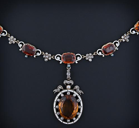 Necklace of amber and diamonds (gift #23)