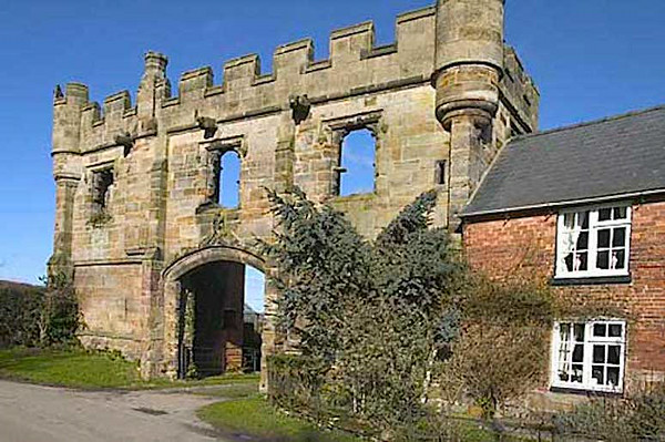 mysterious arch of Mackworth Castle