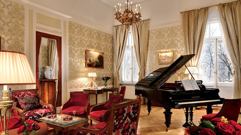 Sitting room with piano,