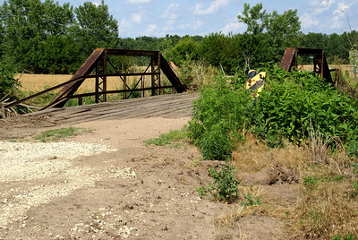 Mulberry Creek pony truss bridge - northwest Clay County