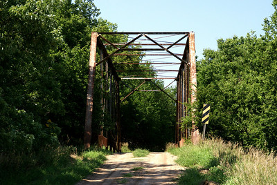 Spring Creek thru truss bridge north of Clay Center