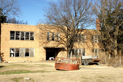 Abandoned school in town of Lovewell