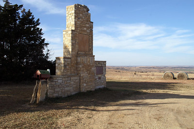 Pike Monument west of Delphos
