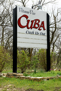 Welcome sign at Cuba