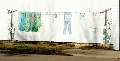 Clothesline mural on downtown building in Linn