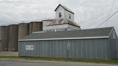 Grain elevator in Hamlin
