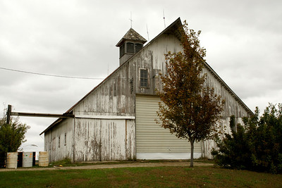 Old barn near Missouri River - eastern Doniphan County