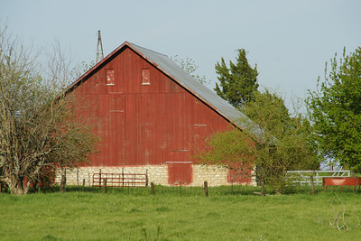 Barn in western Douglas County
