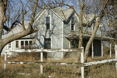 Abandoned farm house - western Jackson County