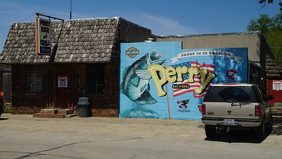 Mural on the Perry Bar & Grill