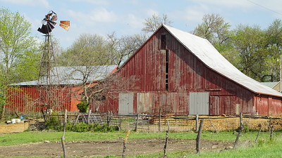 Barn and Windmill in western Jefferson County
