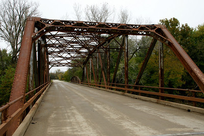 Delaware River iron truss bridge near Valley Falls
