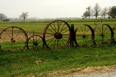 Wagon wheel fence near Stillwell