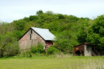 Barn near Stranger Creek south of Easton