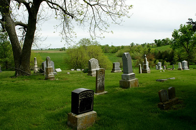 Round Prairie Cemetery - north Leavenworth County