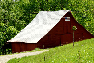 Red barn near Stranger Creek - northwest Leavenworth County